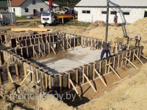 монтаж монолитного бетонного фундамента