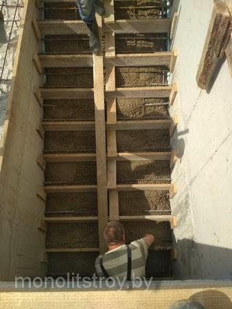 сооружение лестницы монолитной, фото