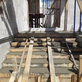 заливка монолитной лестницы, фото